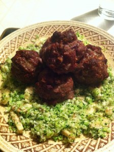 Baked meatballs with cauliflower and broccoli 'rice' (by Sarah)