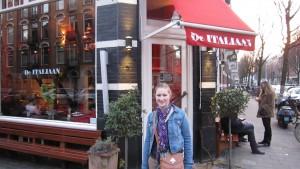 Outside De Italiaan
